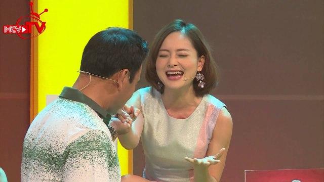 Minh Nhí đi xe đạp một bánh và Lan Phương nhảy vũ điệu hoang dã trên sân khấu.