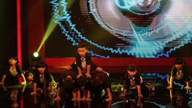 """Tuổi Ngọc - """"nhóm nhảy"""" đến từ Biên Hòa và hai màn trình diễn thuyết phục toàn bộ BGK."""