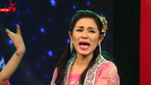 Việt Trinh hóa thân Chức Nữ khoe giọng hát ngọt ngào!