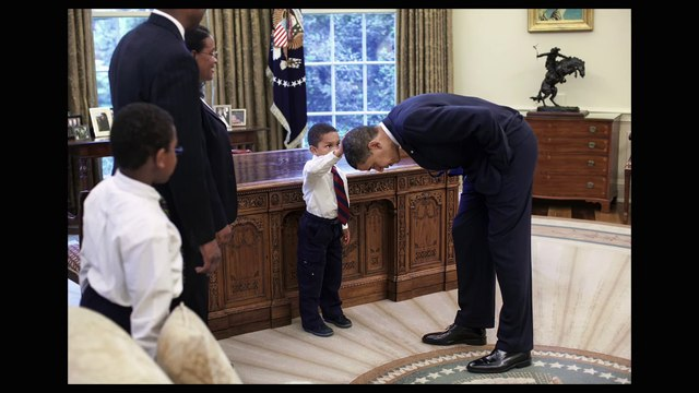 THE WAY I SEE IT Documentary movie Clip - Touching Obamas Hair