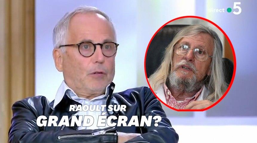 """Fabrice Luchini """"aimerait bien jouer Didier Raoult"""""""