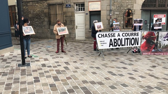 Manifestation anti-chasse à courre à Alençon
