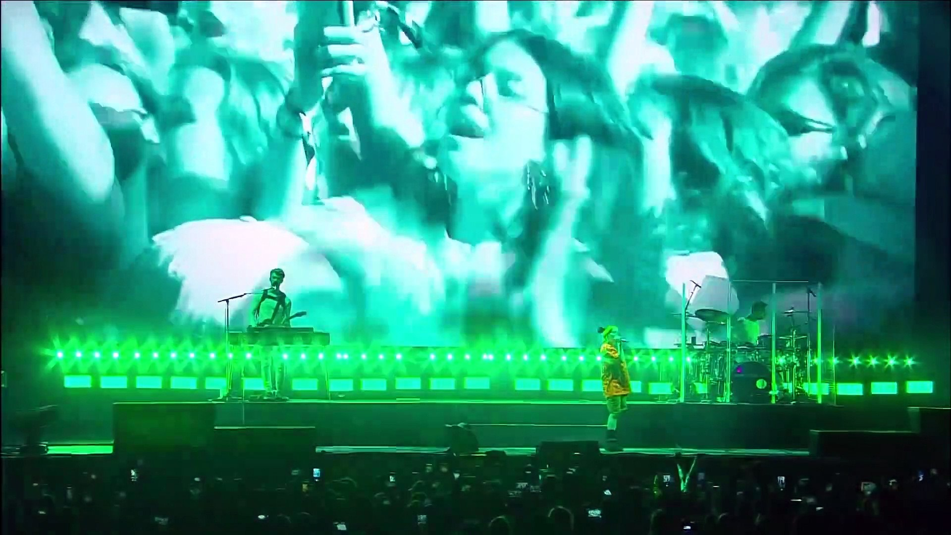 Billie Eilish - everything i wanted (LIVE FROM MEXICO CITY)
