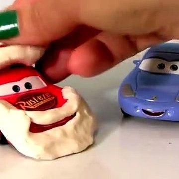 Play-Doh Cars Santa Lightning McQueen Mrs. Claus Sally Carrera Disney Pixar Santamobile Play Dough