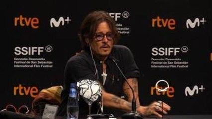Johnny Depp dice que Trump le hace reír, es comedia de terror
