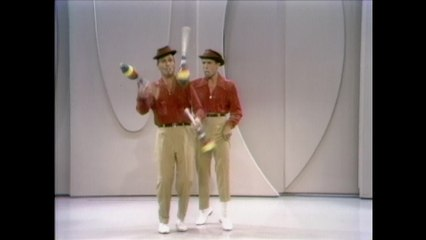 The Martin Brothers - Juggling Duo