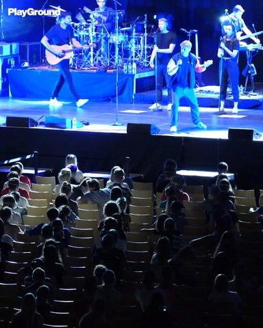 ¿Cómo se transmite el Covid en un concierto?
