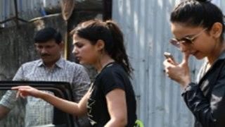 Rhea Chakraborty drug :NCB को मिले Rhea और Rakul Preet Singh के drug chat | FilmiBeat