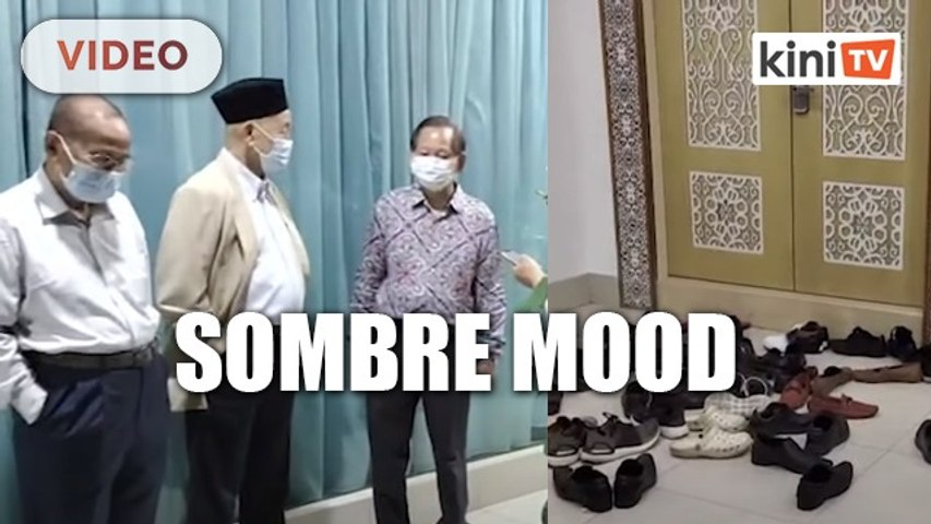 Sombre mood at Shafie's residence
