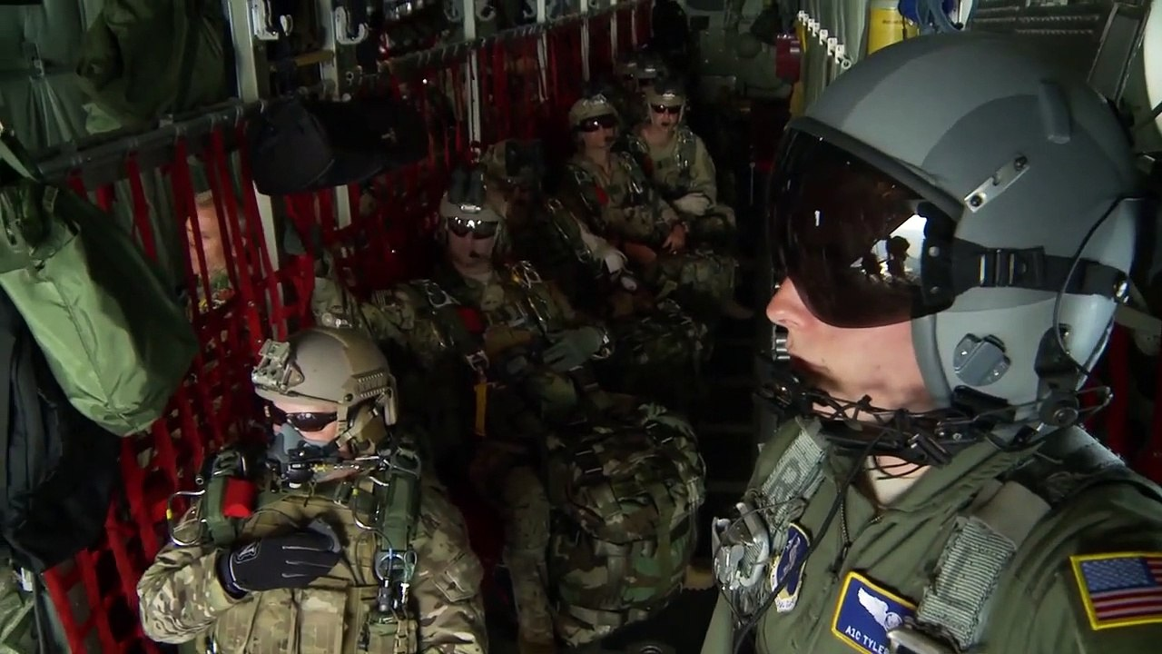 7th Special Forces Group Green Berets • Chilean Sailors • High-Altitude Military Parachuting