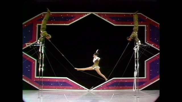 Trio Hoganas - Tooth Line Acrobats