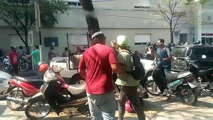 Mientras de desalojaba una manifestación, la subsecretaria de DD HH mantuvo un cruce con la Policía