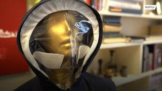 إيطاليا: معطف للتخفيف من التباعد الإجتماعي والحماية من الكورونا !!!