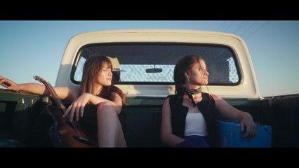 Júlia & Rafaela - Cangote