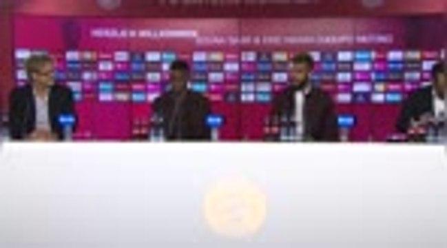 Bayern - Sarr rend hommage à l'OM