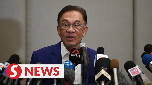 Anwar says has more than 120 MPs, will leave it to the King