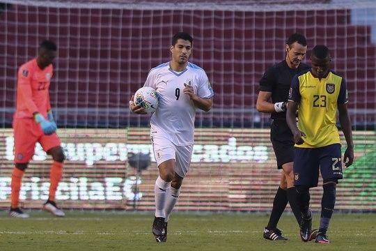 Qualifs Mondial 2022 - L'Uruguay de Suarez sombre en Equateur !