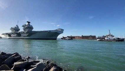 HMS QE arrives in Portsmouth - Video by Mark Cox