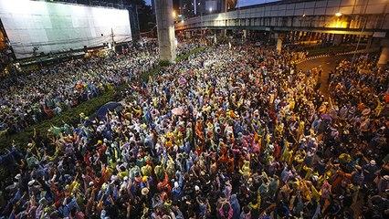 Tayland'da monarşi karşıtı gösteriler devam ediyor