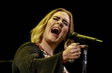 Adele é confirmada como apresentadora especial do programa 'Saturday Night Live'