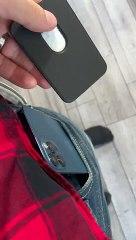 Porte-cartes en cuir avec MagSafe (4 coloris : Bleu Baltique, Pavot de Californie, Havane et Noir (65,00 €)