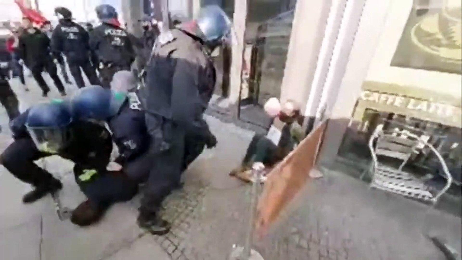 Die brutale Verhaftung von Rechtsanwalt Markus Haintz und seiner Lebensgefährtin
