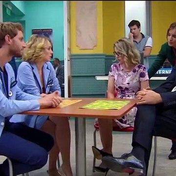 Áron és Benedek levegőrontása a kórház területén