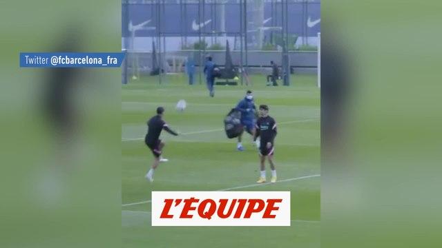 Pedri régale à l'entraînement - Foot - WTF - Barça