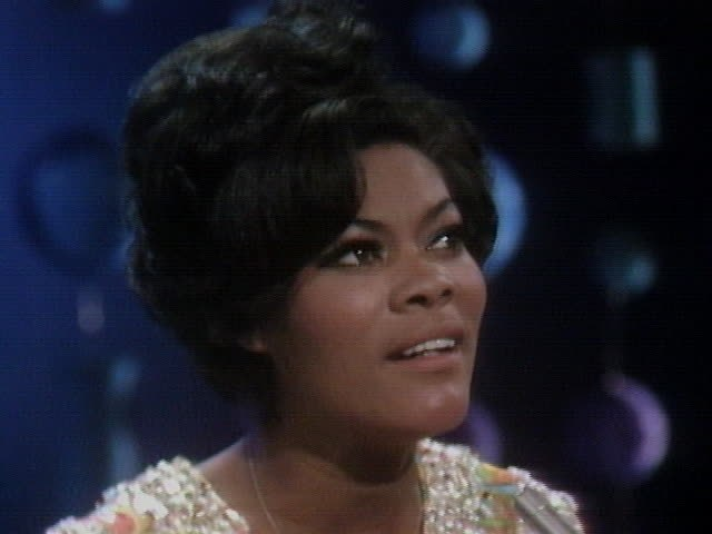 Dionne Warwick - Walk On By/Do You Know The Way To San Jose/I Say A Little Prayer