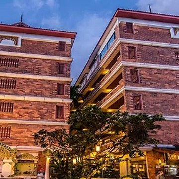 Review Raming Lodge Hotel