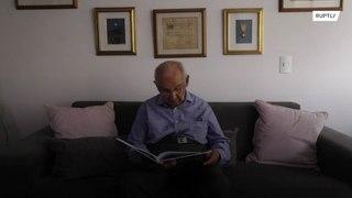 بلغ من العمر 104 أعوام وحصل على درجة الدكتوراة !!!