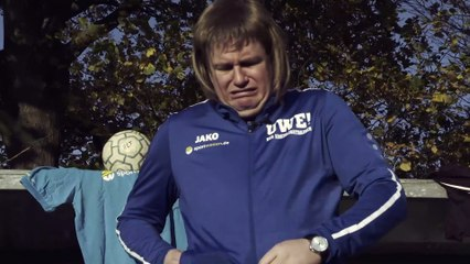 Favre sucht Tipps bei Uwe, Alaba heuert in der Kreisliga an und S04 feiert einen Sieg!