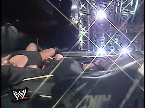 Shane McMahon vs. Big Show - Backlash 2001