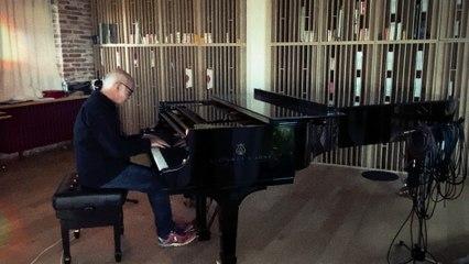 Ludovico Einaudi - Walk