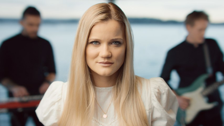 Sandra Lyng - Kvitt flagg