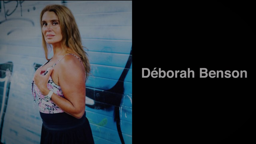 The shadow of your smile V2 Déborah Benson