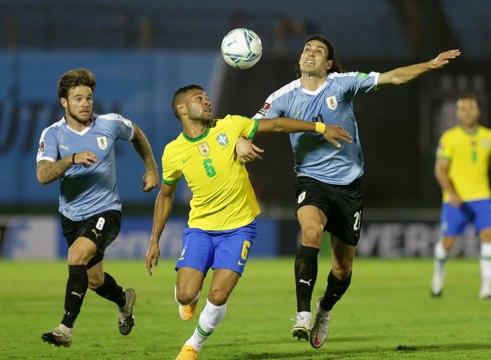 Qualifs Mondial 2022 : Le premier choc pour le Brésil, Cavani voit rouge !