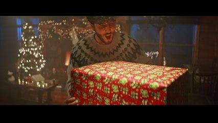 Sebastián Yatra - Santa Claus Is Comin' To Town