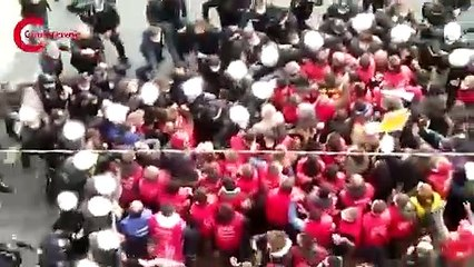 Ankara'ya yürüyen işçilere polis müdahalesi