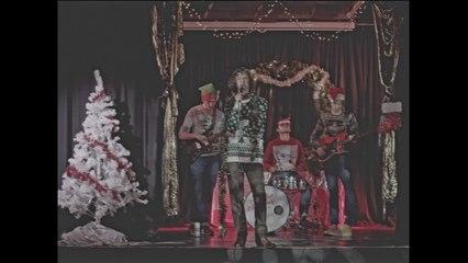 Buzzard Buzzard Buzzard - Christmas is Coming (We All Know The Score)