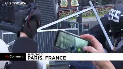 تظاهرات معترضان به قانون جامع امنیتی در پاریس به خشونت کشیده شد