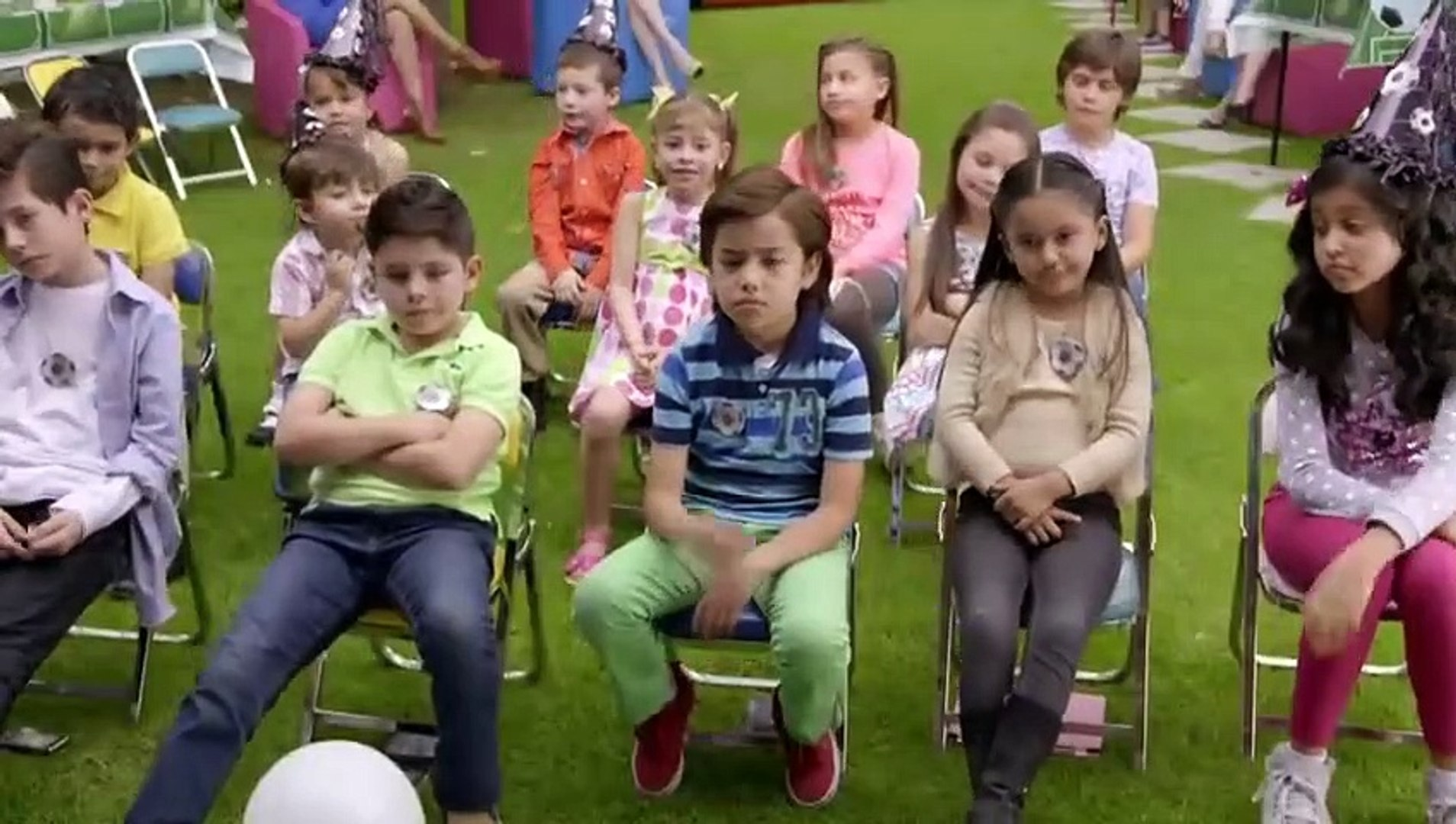 Nosotros Los Guapos Temporada 1 Capitulo 3 Payasos De Fiestas Infantiles Video Dailymotion Vítor and albertano pursue the same objective, to obtain a place where to live and, very to their regret. dailymotion