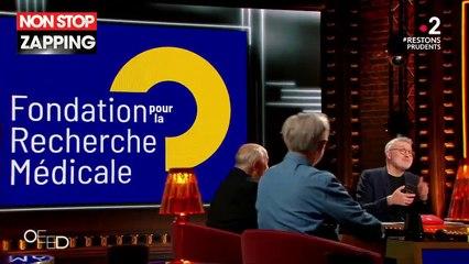 On est en direct : Laurent Ruquier galère à envoyer un SMS et traite Gérard Jugnot de radin (Vidéo)