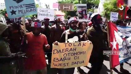 SURABAYA - ALIANSI MAHASISWA PAPUA DEMO TUNTUT PENGAKUAN KEMERDEKAAN PAPUA