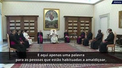 Papa adverte aqueles que trazem sempre na boca uma palavra negativa