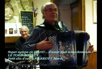 N°111 - GILOU & son accordéon à Malakoff - Film 1/3