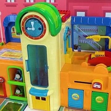 ¡Aprenda Colores y Números para Niños con Thomas and Friends Train Playset y Puzzle para Niños