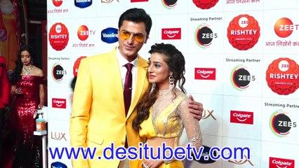 Doli Armano Ki Neha Marda  Anand Suryavanshi rock red crapet at Zee Rishtey Awards