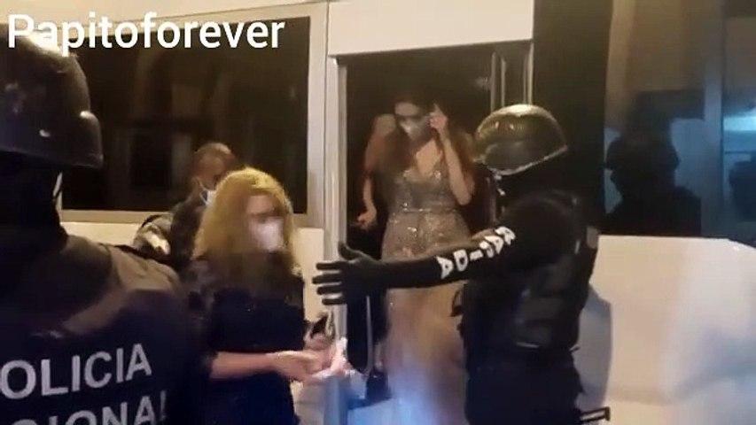 Policía apresa más de 60 personas que participaban en boda durante toque de queda