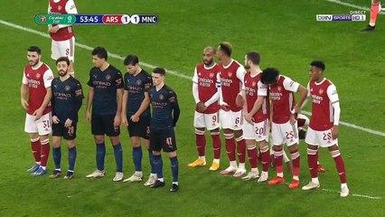 """Thủ môn Runarsson hóa """"thánh Karius"""", Arsenal ôm hận"""
